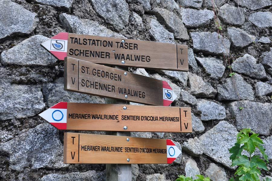 Wandern entlang der Waalwege um Meran; Foto: @almenrausch.at