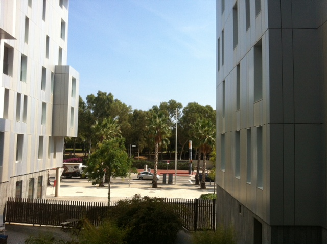 Blick aus dem Apartment in der Carrer del Ferrocaril