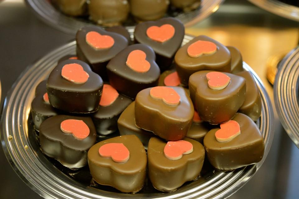 Da steckt Liebe drin; Schoko-Herzen aus dem Salon du Cacao auf den Lieblingsflecken